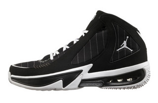 re2pect-jordan-brand-pays-tribute-to-derek-jeter-last-season-11-570x374.jpg